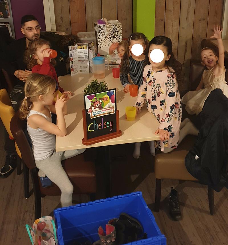 Chelsey haar kinderfeestje in Monkeytown